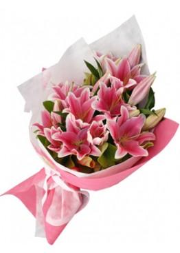 Букет из 7 розовых лилий