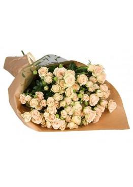 25 кустовых роз в крафте