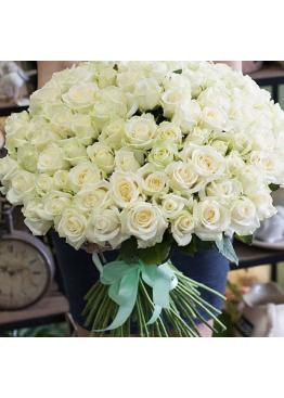 101 белая роза высота 60 см.