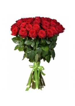 25 красных роз высотой 70 см.