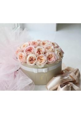 Французские розы в коробке