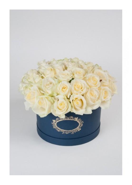 51 белая роза в коробке