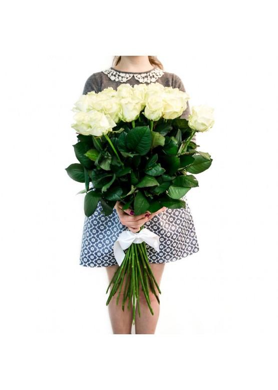 19 белых роз высотой 80 см.